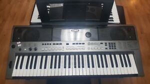 Super Clavier Yamaha PRS-E443 avec pitch bend !!!