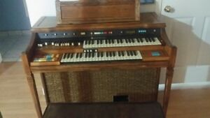 1981 Hammond Century Electric Organ ,  built in Leslie speak