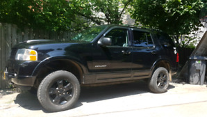 Ford explorer 2004 limited v8