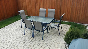 Aluminum estiva 7 piece patio set table chairs for Outdoor furniture kijiji
