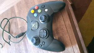 3 Original Xbox Controllers
