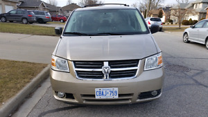 2009 Dodge Caravan SXT  in perfect condition $7000 SAFETY ETEST
