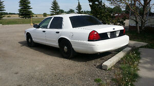 2010 Ford Crown Victoria Sedan $3500