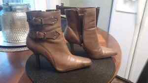 Brown boots,  very cute,  great condition $25 obo