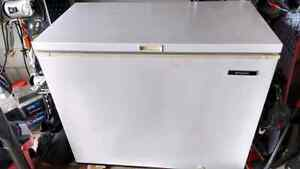 10 cubic foot chest freezer