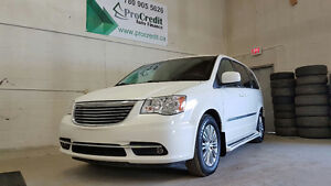 2013 Chrysler Town & Country Minivan, Van