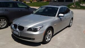 Fully loaded BMW 528 AWD in mint condition
