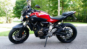 Barely broken-in 2015 Yamaha FZ-07 -- With over 1000.00$ in Acc.