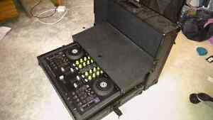 Traktor S4  WITH ODYSSEY FULL BLACK ROAD AND PERFORMANCE CASE