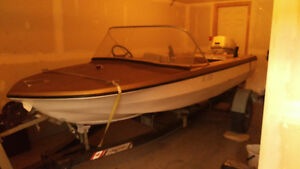 $1,000 -  14 foot glastron boat with trailer/ Johnson 33hp