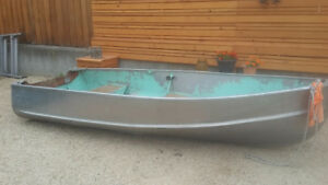 Thornes Crusader 12' Aluminum boat with electric motor