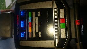 Health rider treadmill with incline Kingston Kingston Area image 2