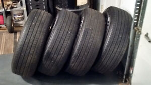 Tires in excelent condition P235-70R16