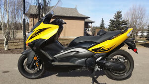 REDUCED Yamaha TMax XP500Y