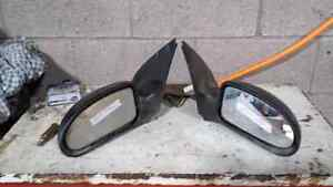 LEFT AND RIGHT HEATED POWER MIRRORS FOR 2004 FORD FOCUS Windsor Region Ontario image 1