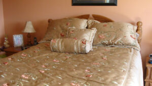 QUEEN SIZE BEDDING SET FOR SALE