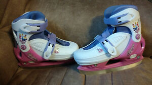 Girls Princess Skates in Excellent Condition Kawartha Lakes Peterborough Area image 1