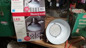 Honeywell LED yard light