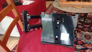 AVF Model UL444 TV Mount