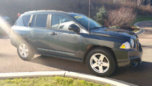 2007 Jeep Compass   FULLY LOADED with  Sunroof!