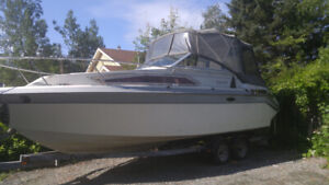 Holiday 250 (6000$) or trade for smaller fishing boat