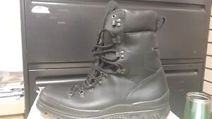 MEN'S ECCO WINTER BOOT IN SIZE 48 ONLY!