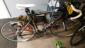Men's GT road bike