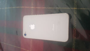 IPhone blanc 4s à vendre (rogers/chatr)