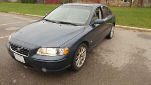 2005 Volvo S60 2.5T AWD with Dunlop Winter Tires