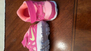 Nike running shoes for infants