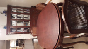 Dining room  buffet/hutch , table  & 6 chairs, 2 leaves