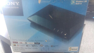Still in Box SONY Lecteur Blue Ray Disk/ DVD Kitchener / Waterloo Kitchener Area image 1