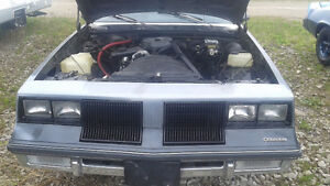 2 door 1986 Cutlass supreme classic brougham RUNNING project car