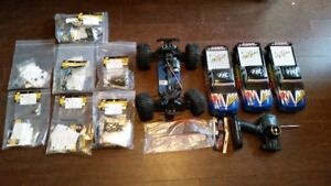 Never Driven 4WD R/C Truck with TONS of BRAND NEW spare parts!!!