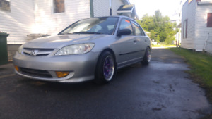 Civic dx 2005 a vendre 2500$ nego