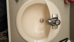 2 - 18 x 18 round sink with all hardware