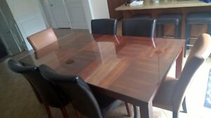 Kitchen table with glass top and 6 chairs