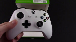 XBOX one s controller. mint