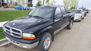 2003 Dodge Dakota 4x4 Truck (Mechanic special or for parts)