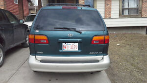 1998 Toyota Sienna Mini Van (great condition)