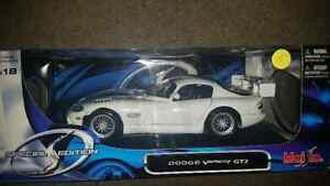 Dodge Viper GT2 full size 1:18 scale only 35$ see my other ads.