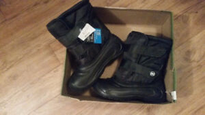 Boys Winter Boots - size 5 (not toddler)