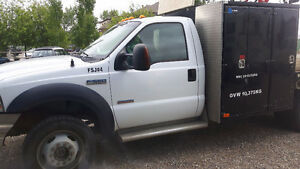 2007 Ford F-550 with Service Body and Crane