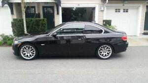 2007 BMW 3-Series Sport Package LOW KMS