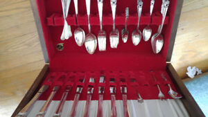 1847 Rogers ETERNALLY YOURS Silverware