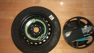 Spare tire and jack Mercedes-Benz C250 2012