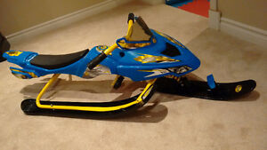 Fast track snow sled