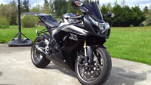 Looking for a 2009-2011 gsxr 1000
