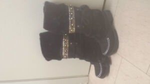 womens size 9 or 42...Black moccasin style boots brand new never