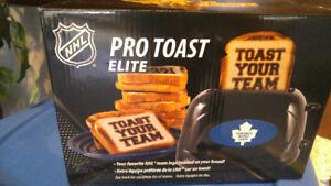Maple Leaf toaster